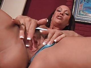 extremely impressive woman solo masrurbation