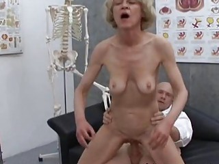 cougar old blond maria gangbanging with nurse