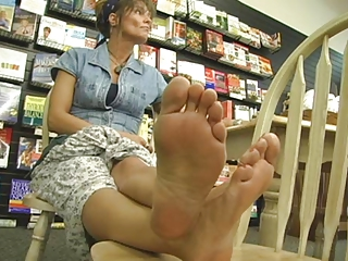 more gorgeous cougar foot