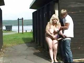 outdoor fuck with older  girl