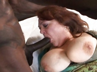mature cougar with giant chest acquires fucked