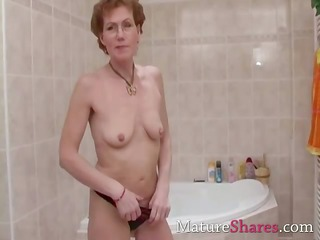 shaggy cougar pees and obtains a bathroom