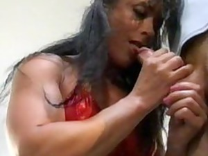 bodybuilding grown-up belle bottom