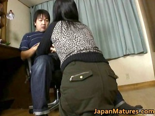 japanese mature babe likes masturbation part3