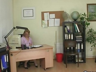 cougar agency boss forces him drill her uneasy