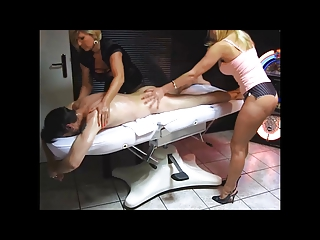 super cougar makes massage