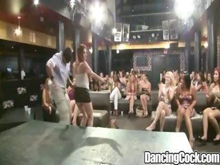 dancingcock glamorous ladies blowjob party.p8
