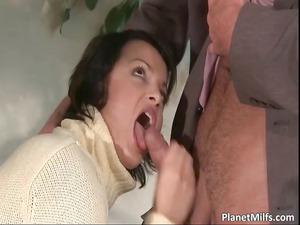 slutty brunette babe sucks that penis part4