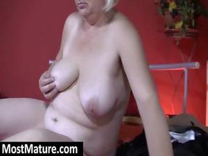elderly masturbate chubby pussy