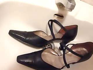 cumming on wifes black leather strap high shoes