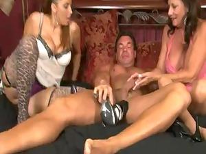 2 elderly babes give a pantyhose footjob