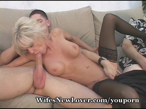 elderly mature babe pleasured by amateur fucker