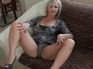 Free mature stockinged movies