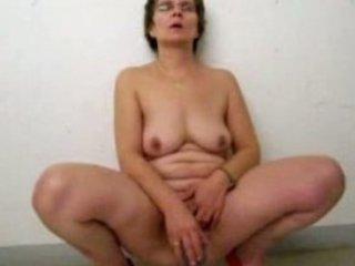 grownup pee and masturbate inside parking garage