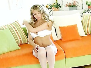 brooke albino with pretty tits plays into nylons