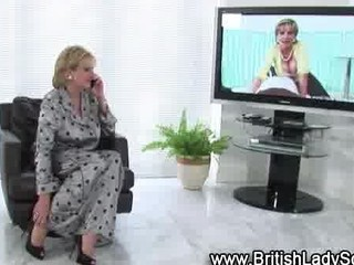 naughty cougar brit into pantyhose