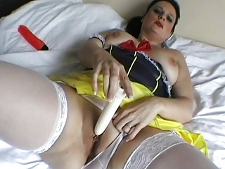 classy italian lady devices her used juicy kitty