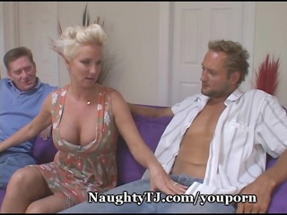 busty mature babe shares vagina with friend