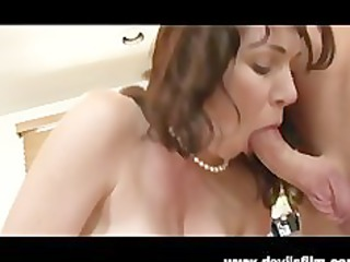 spurting mature babe rayveness obtains fucked